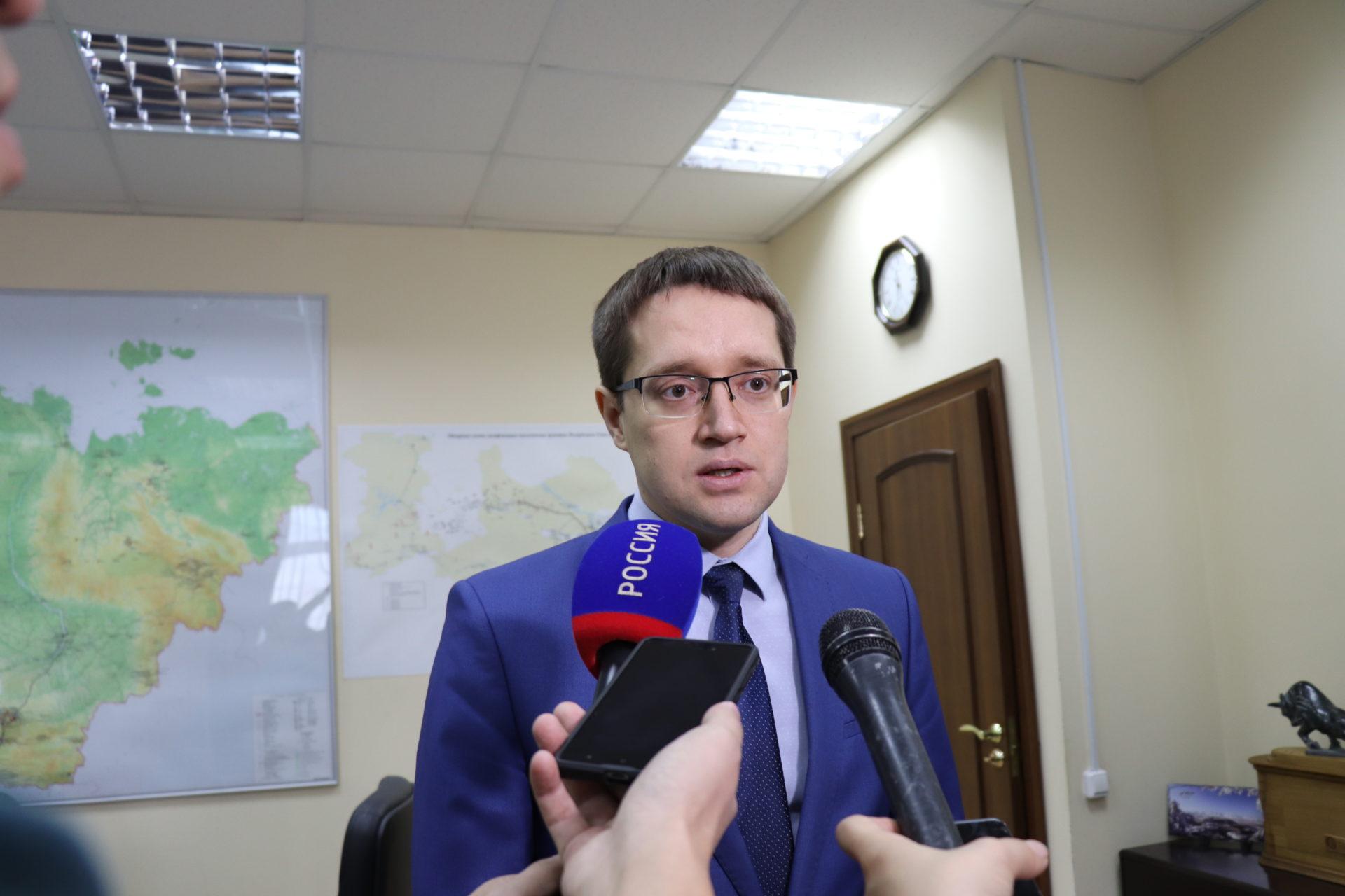 Министр промышленности Якутии Максим Терещенко выехал на шахту Денисовская, где произошло обрушение горной породы