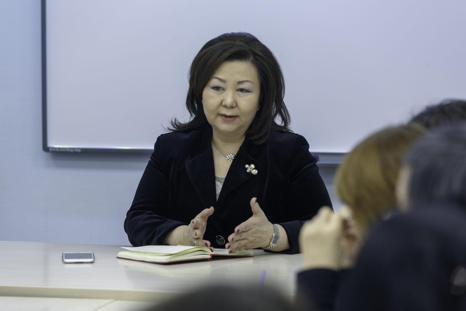 Ректор АГИИК Саргылана Игнатьева: «Указ – дальновидный и стратегически важный документ для будущего поколения якутян»