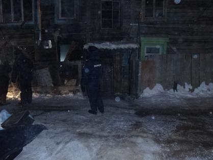 Устанавливаются обстоятельства гибели четырех человек, тела которых обнаружены при тушении пожара в жилом доме