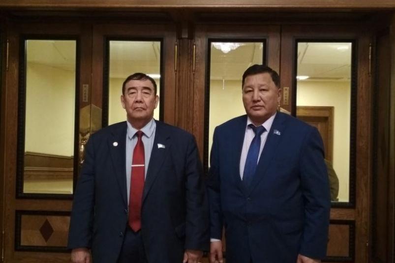 Завершено расследование уголовного дела по обвинению двух бывших депутатов Александра Уарова и Дмитрия Саввина