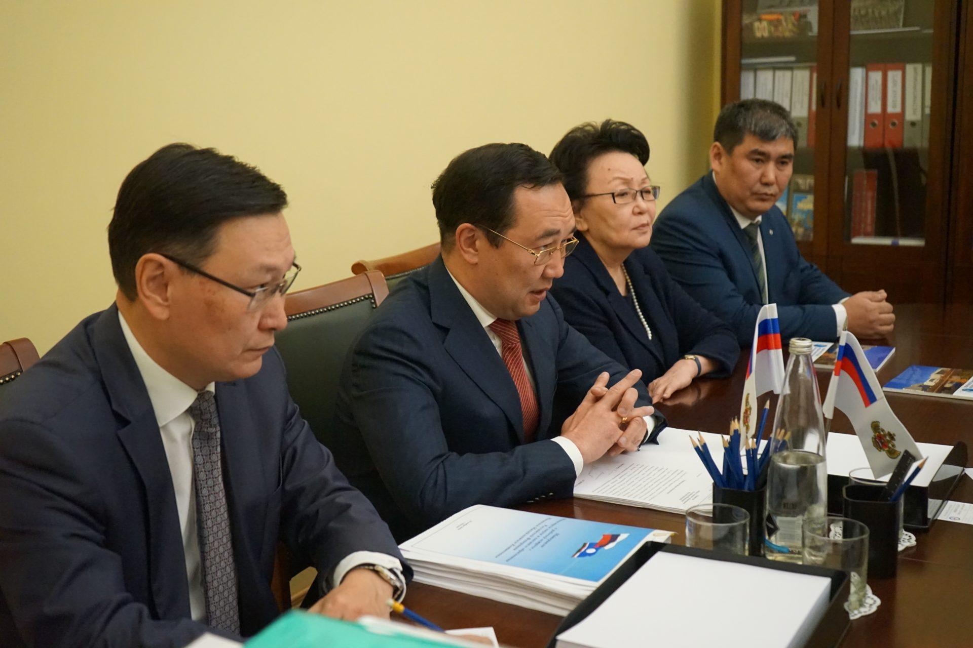 Айсен Николаев встретился с министром науки и высшего образования РФ Михаилом Котюковым