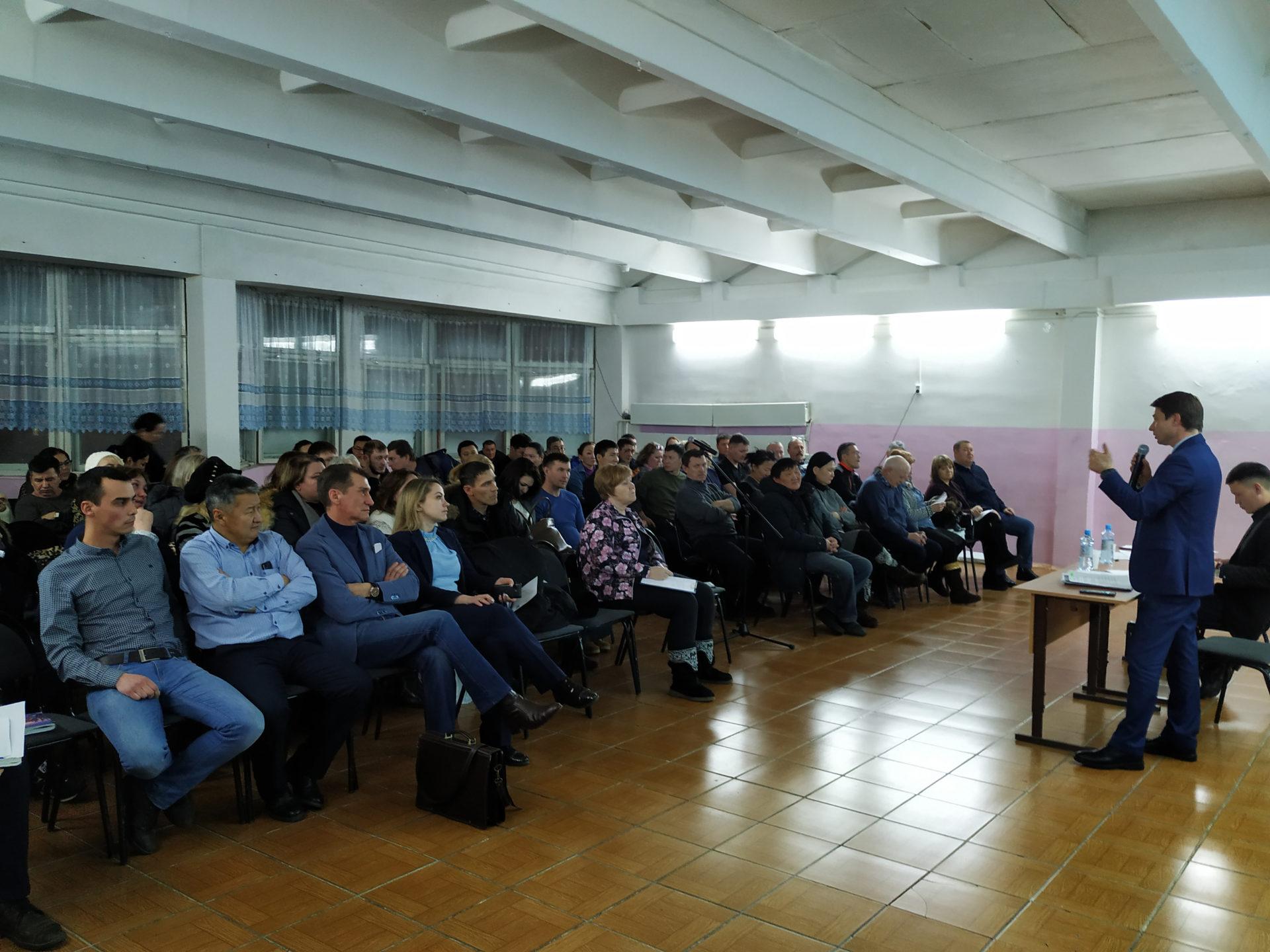 Диалог Владимира Федорова с жителями Автодорожного округа