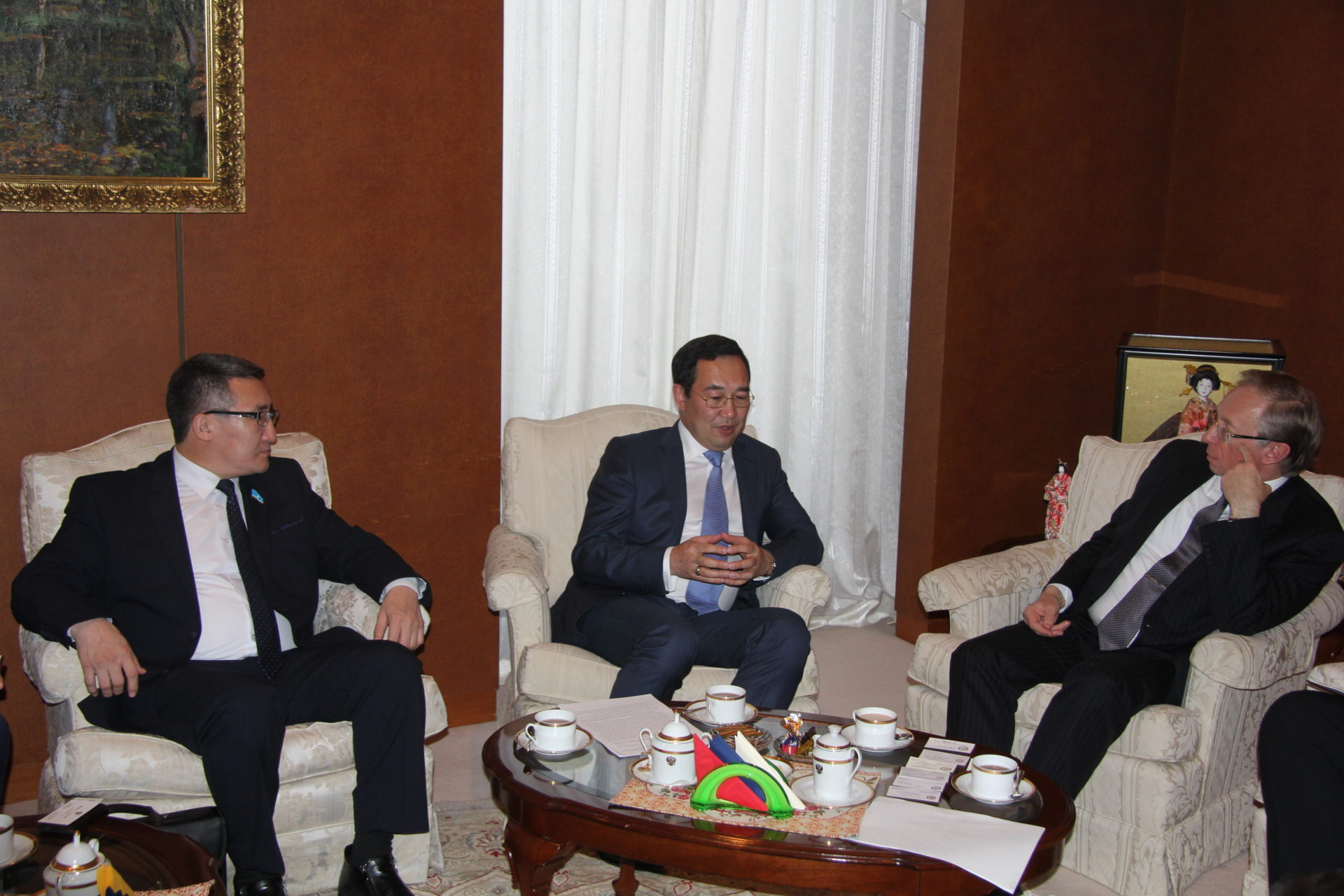 Айсен Николаев проводит в Японии ряд стратегических переговоров