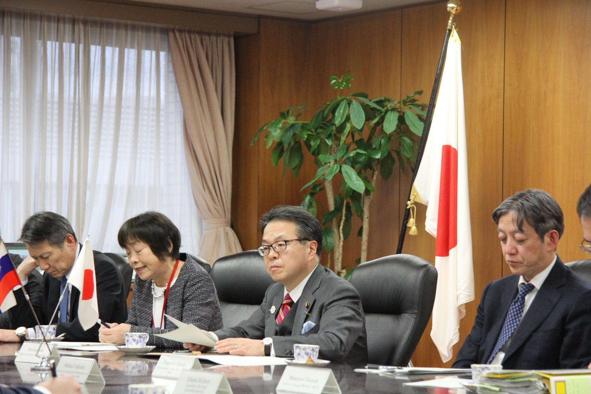 Айсен Николаев встретился с Министром промышленности и торговли Японии г-ном Хиросигэ Сэко