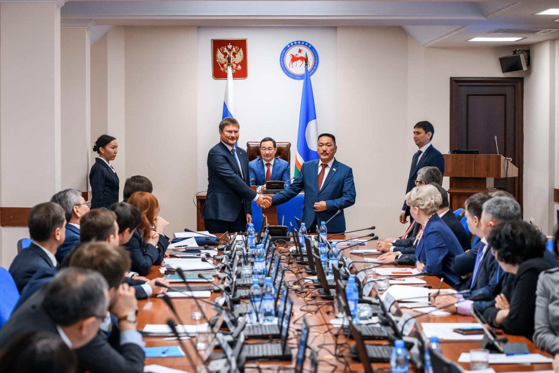 Подписано соглашение о сотрудничестве между АК «АЛРОСА» и Нюрбинским районом