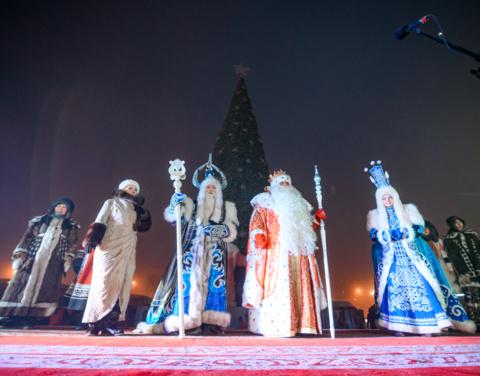 Глава Якутии объявил о старте всероссийской эстафеты поздравлений «С Новым годом, страна!»