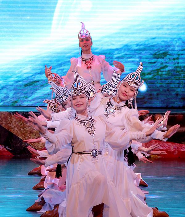 Фестиваль танца «Р.И.Т.М.» собрал коллективы из 18 улусов Якутии