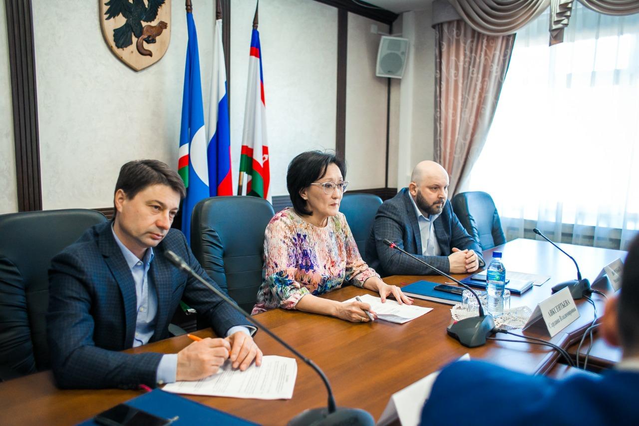 Сардана Авксентьева поставила задачи руководителям округов и пригородов на предстоящий период