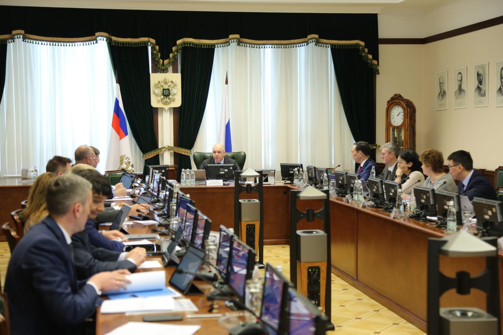 Айсен Николаев принял участие в заседании Наблюдательного совета АК «АЛРОСА» в Москве