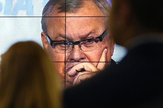 Роскомнадзор массово блокирует статьи о ВТБ и его президенте