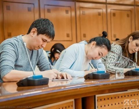 В Якутске «Тотальный диктант» написали около 700 человек