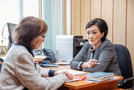 В Окружной администрации Якутска ведется еженедельный прием граждан