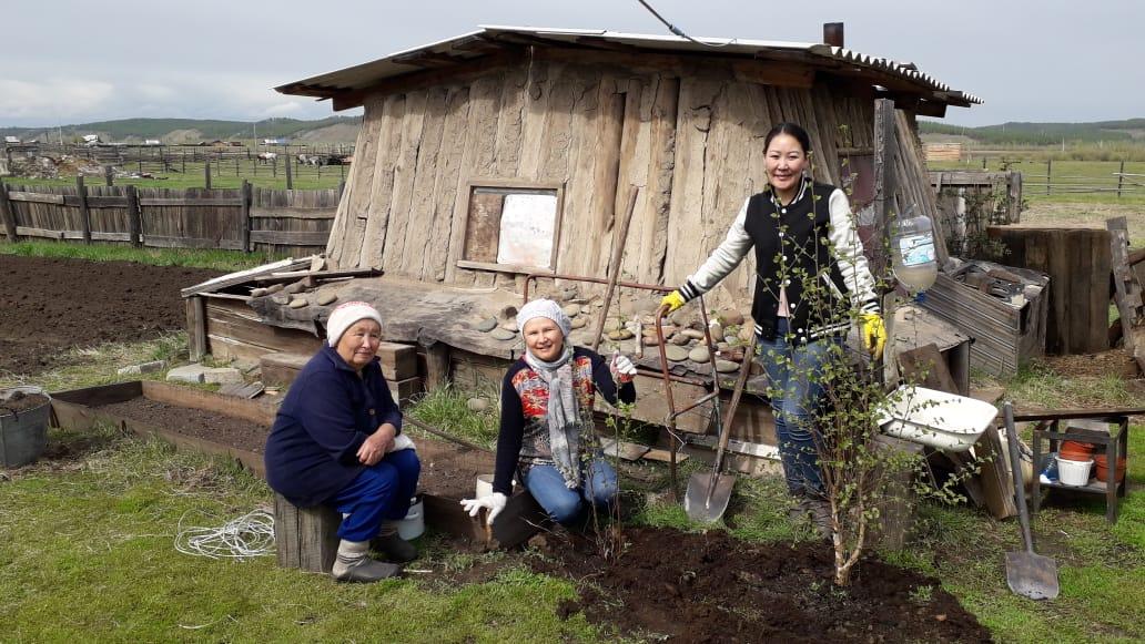 В Тулагино — Кильдямском наслеге проведена акция «Посади дерево»