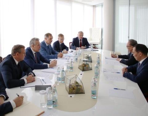 Айсен Николаев встретился с генеральным директором – председателем правления АО «Росгеология»