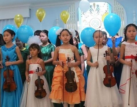 Школы искусств Якутии получат средства на оснащение музыкальными инструментами, оборудованием и учебными материалами