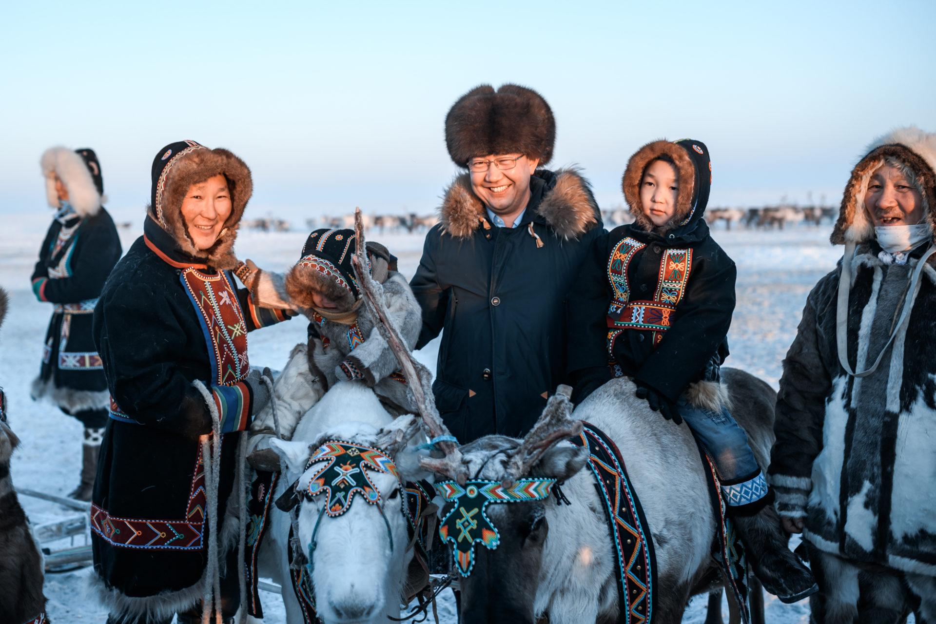 Айсен Николаев поздравляет с Днём полярника