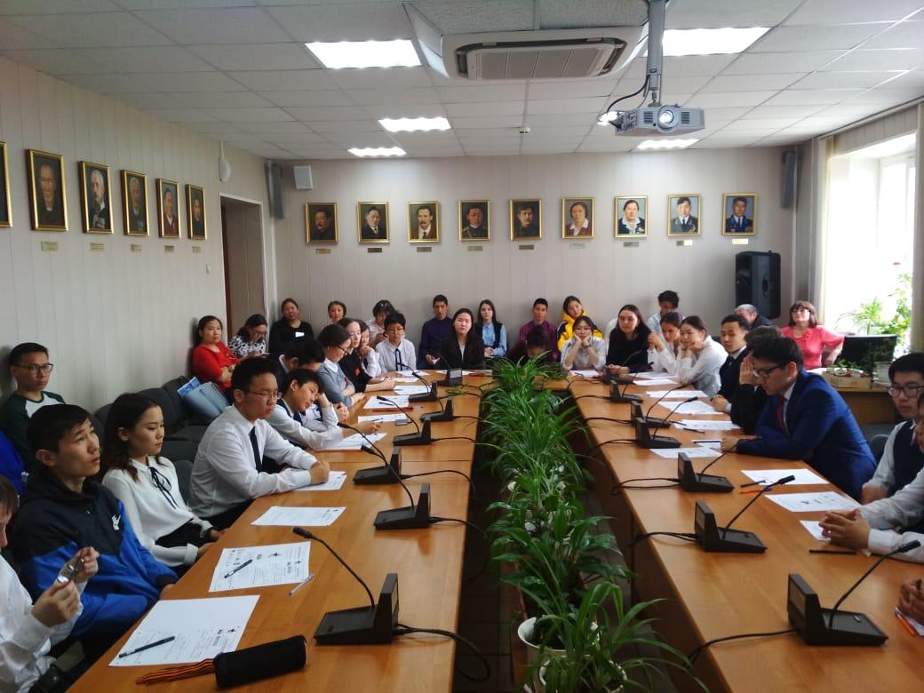 Жители Хангаласского района участвовали в «Диктанте Победы»