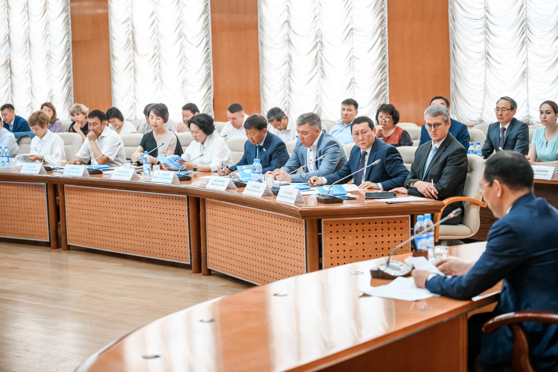 Айсен Николаев обозначил необходимость повышения управленческих компетенций глав муниципальных образований