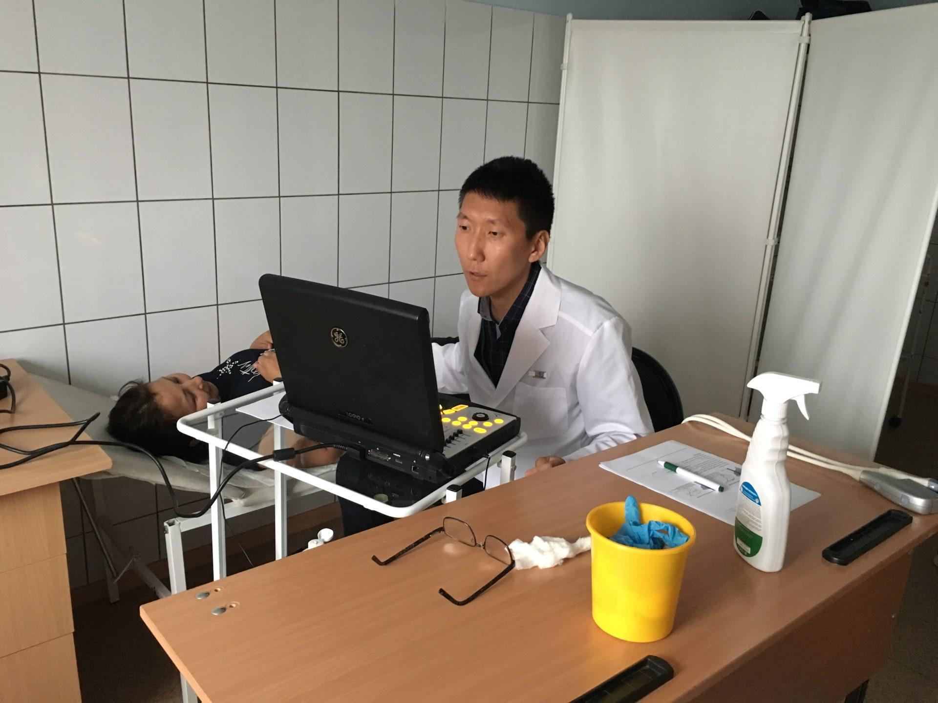Год консолидации: Летняя научная школа «Юные исследователи Верхоянья» проводит медосмотры и ярмарки здоровья