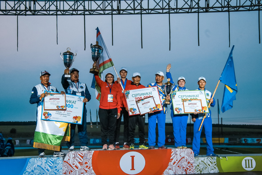 На церемонии закрытия Игр народов Якутии наградили победителей и поздравили рекордсменов