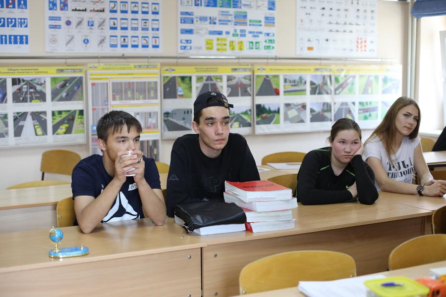 В Якутске стартовали проекты «За рулем» и «Школа красоты»
