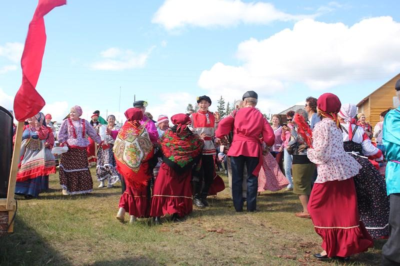 «Тройной праздник»: на Еланке прошел республиканский фестиваль ямщицкой культуры «Гармонь моя ямщицкая»