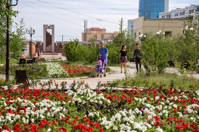 В Якутске высажено более 8 тысяч саженцев и 1,3 миллиона цветов