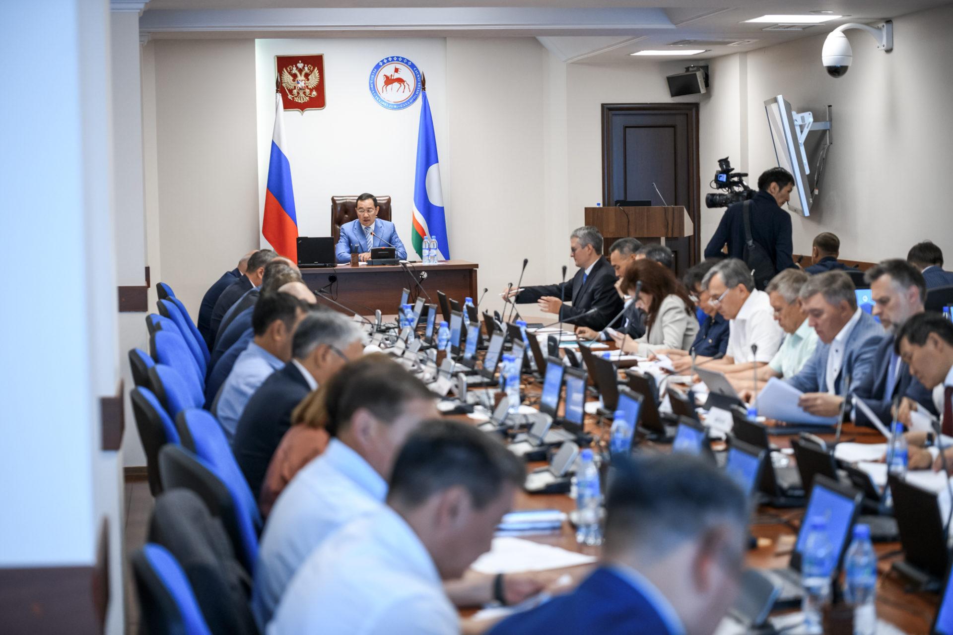 Комиссия по противодействию коррупции рассмотрела соблюдение антикоррупционных стандартов в госучреждениях