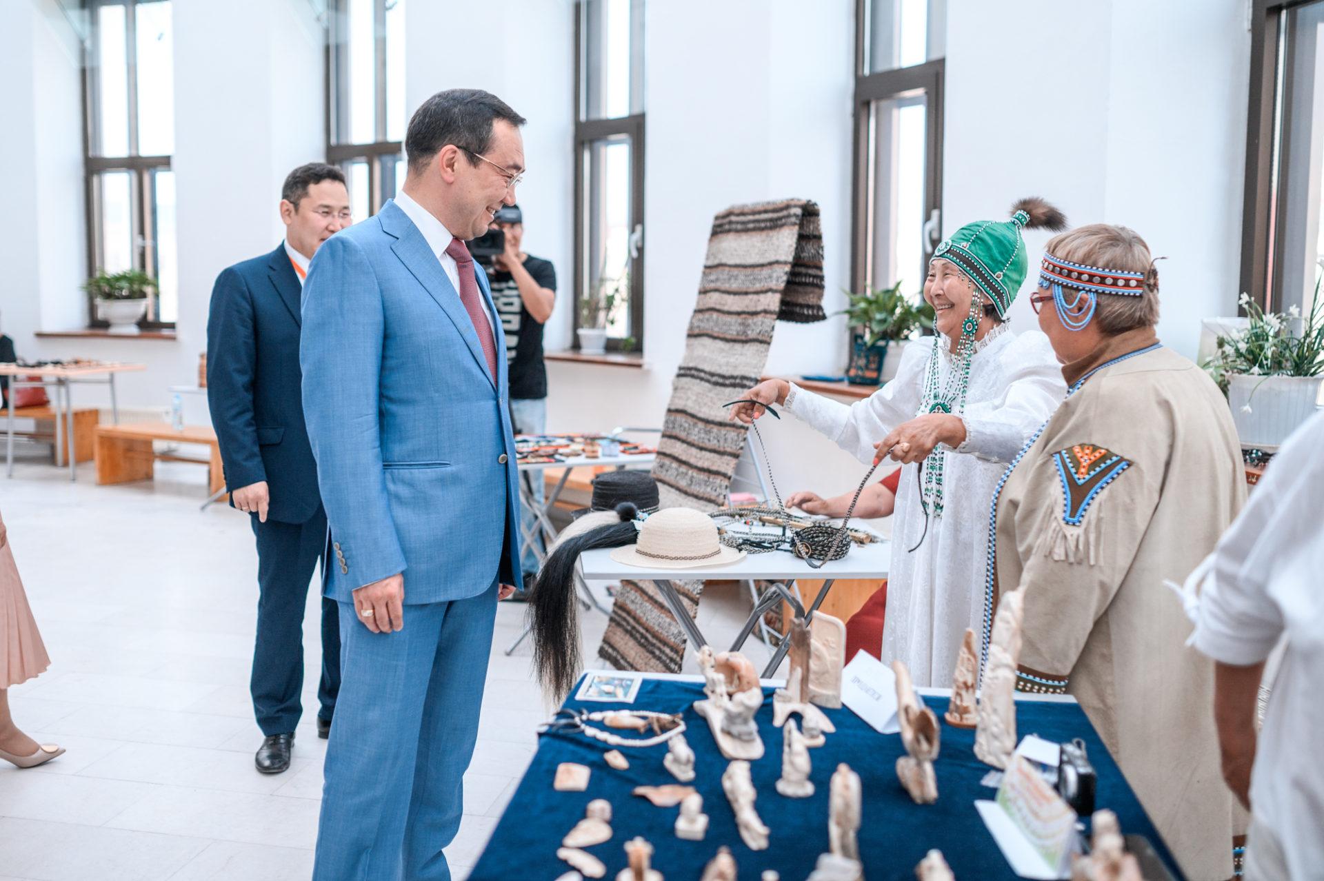 Айсен Николаев принял участие в открытии Международной конференции по сохранению языков народов мира в Якутске