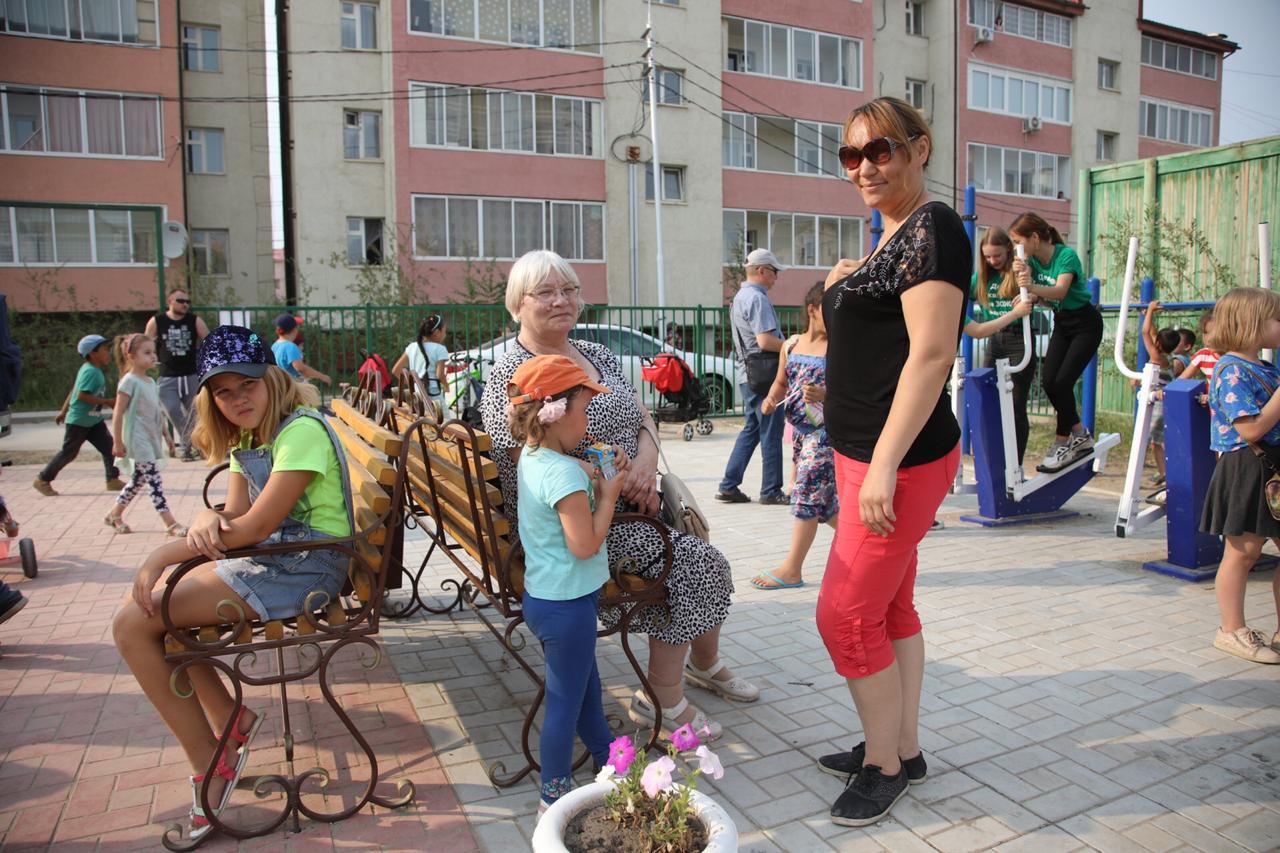 В Якутске открылся сквер «Панда и мамонт»