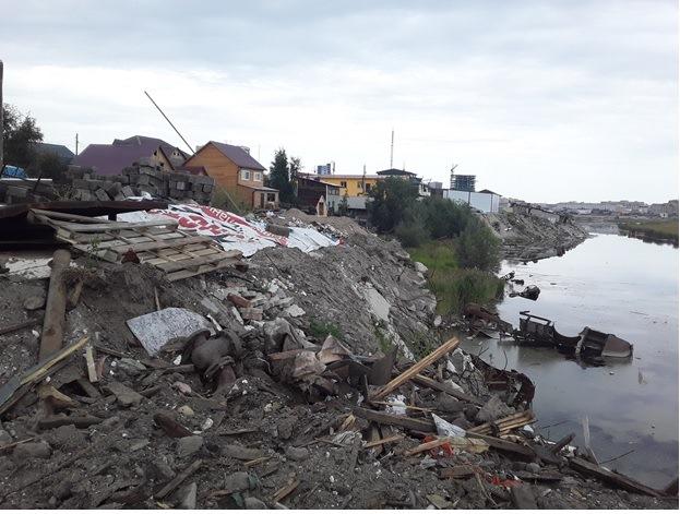 В Якутске выявлено захламление водоохранной зоны реки Лена