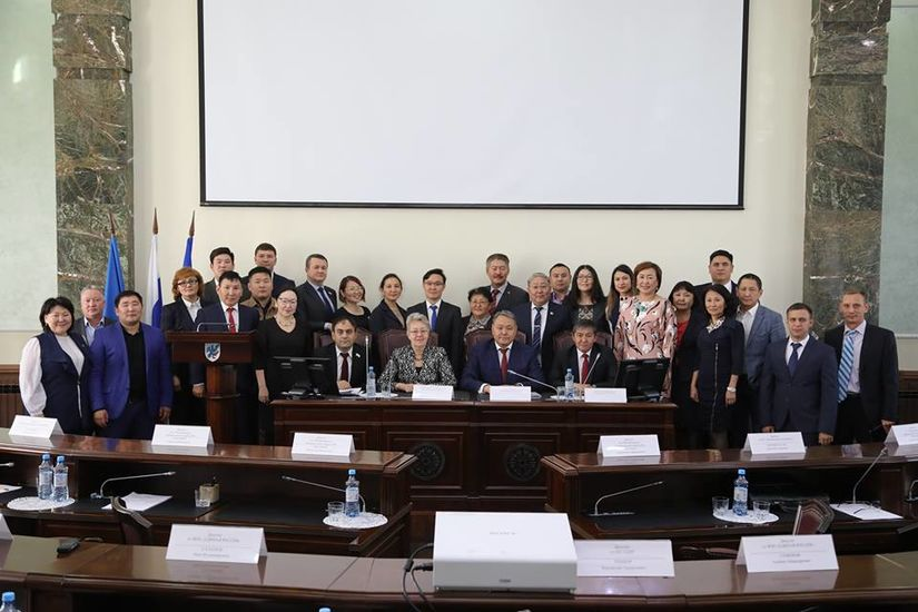 Сегодня исполняется ровно год с момента избрания руководства Якутской городской Думы