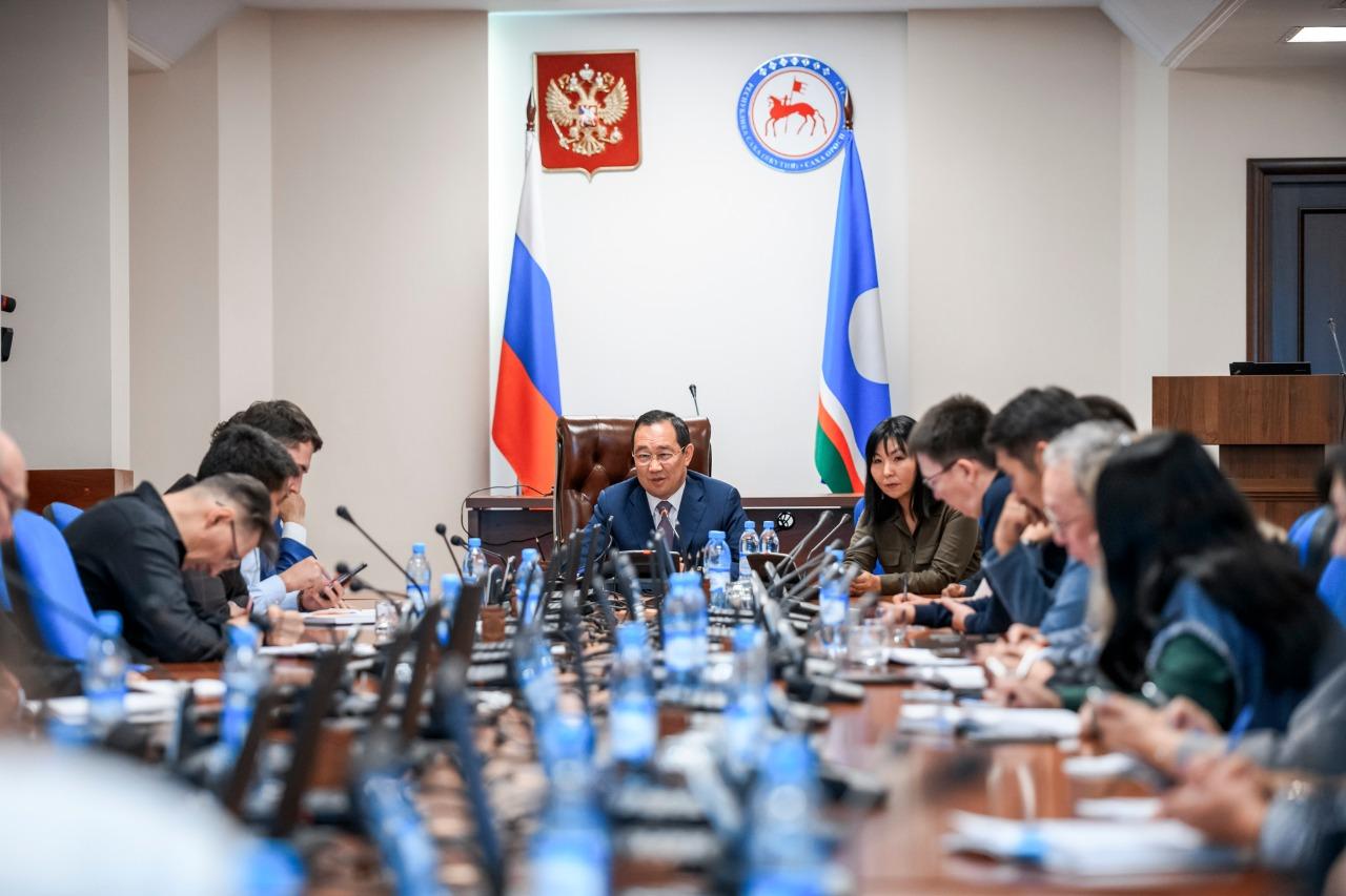 Айсен Николаев: «Быть провинциальным городом или …?»