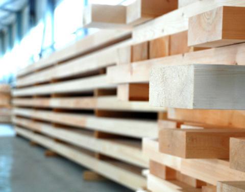 Корпорация МСП поддержала предприятие по деревообработке из Якутии на 5,5 млн рублей