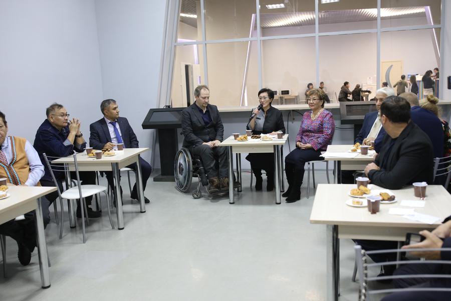 Сардана Авксентьева встретилась с национальными общинами Якутска