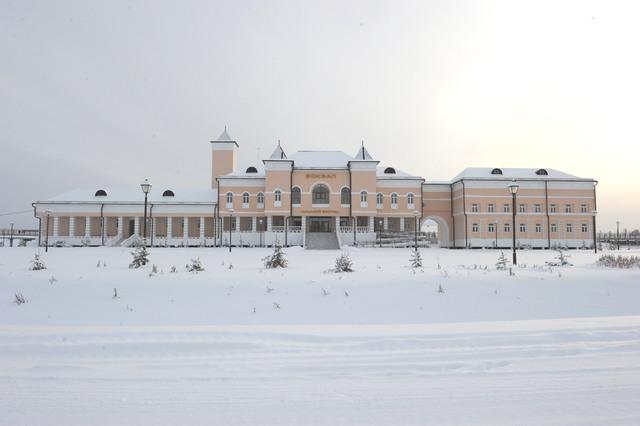 Железные дороги Якутии проводит конкурс ледовых скульптур «Новогодняя фантазия» в Нижнем Бестяхе