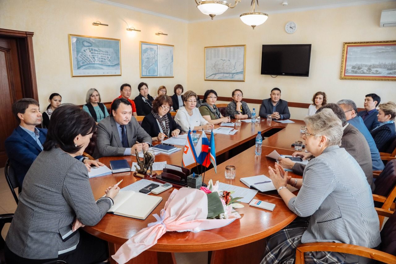 Директора якутских школ не умерили аппетит