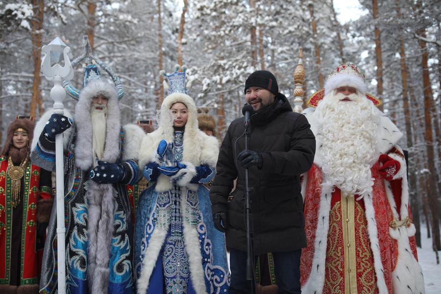 Якутск передал символ «Новогодняя столица» городу Рязань