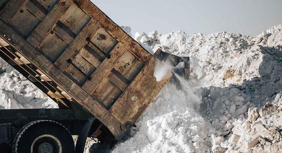 В Якутске за неделю вывезено 50 тысяч кубов снега