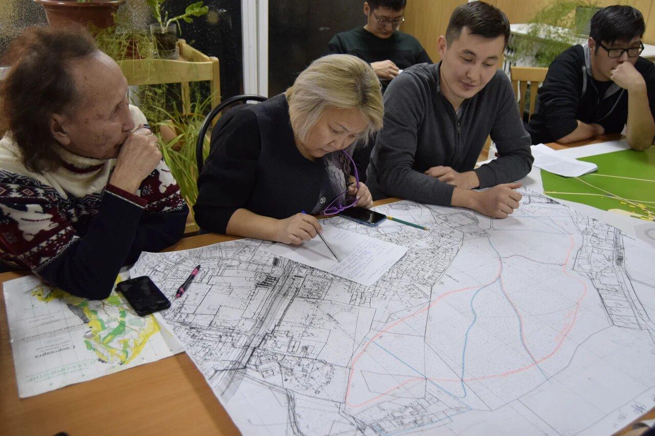 Обсуждены вопросы модернизации трассы для бегунов и любителей скандинавской ходьбы