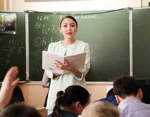 Работающим в сельской местности педагогам планируется расширить льготы по коммунальным услугам