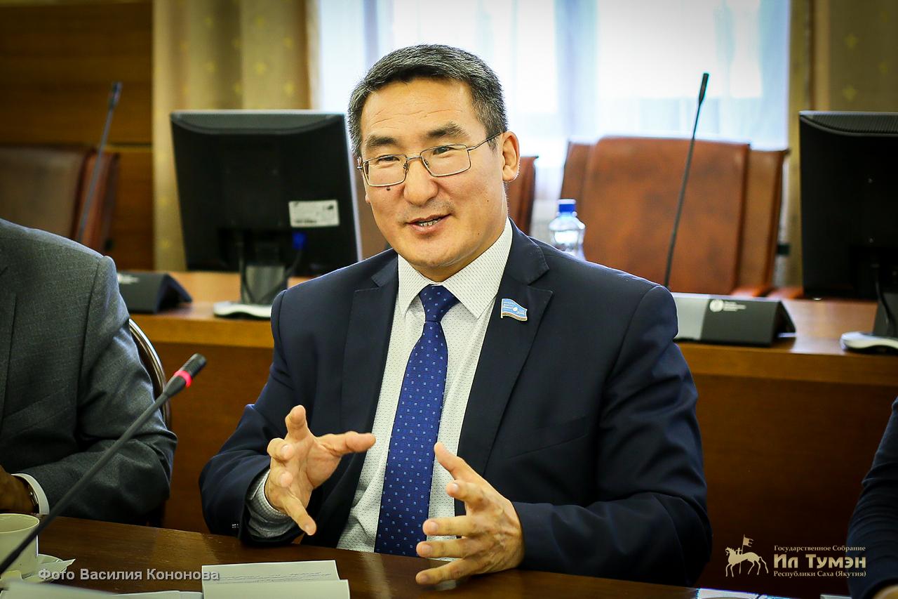 Спикер парламента Якутии возглавил рейтинг среди своих дальневосточных коллег
