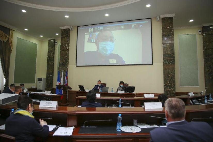 На сессии Гордумы внесены изменения в бюджет Якутска