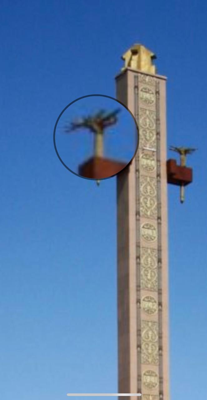 Якутяне просят убрать со стеллы на площади Победы символ проклятия