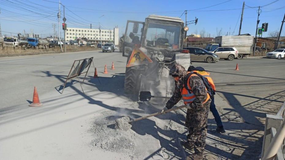 Плановая уборка пыли и ямочный ремонт улиц в Якутске на 21 мая