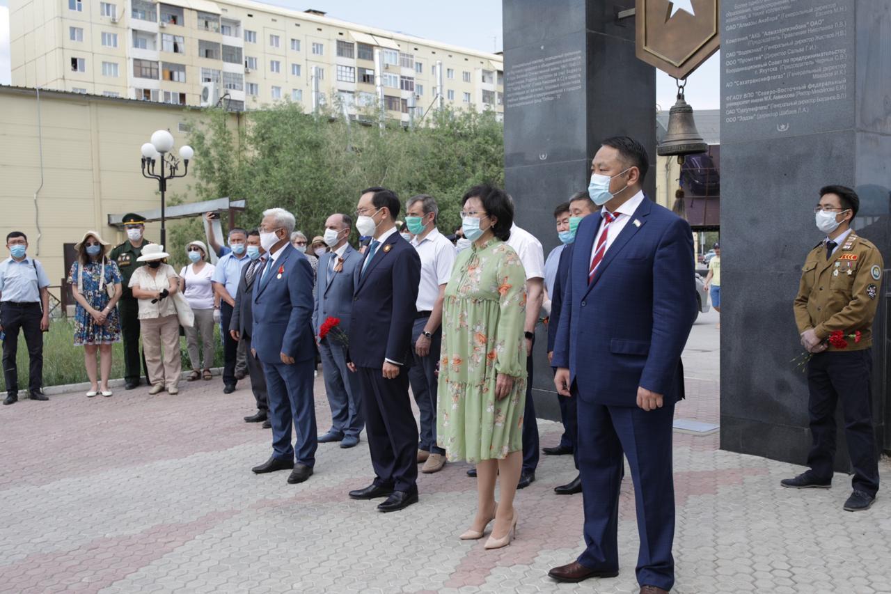В Якутске открыли памятник якутскому воину-снайперу Великой Отечественной войны