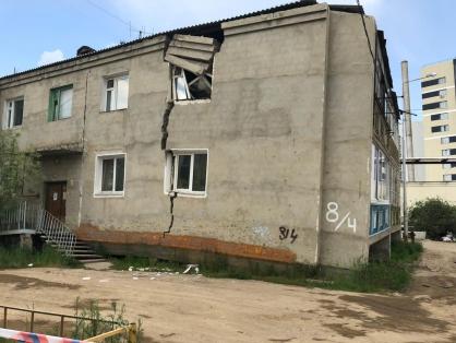 В Якутске начата доследственная проверка по факту образования трещины в жилом доме и угрозы его обрушения