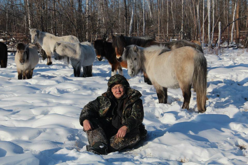 Афанасий МАКСИМОВ: Сяду я верхом на коня…