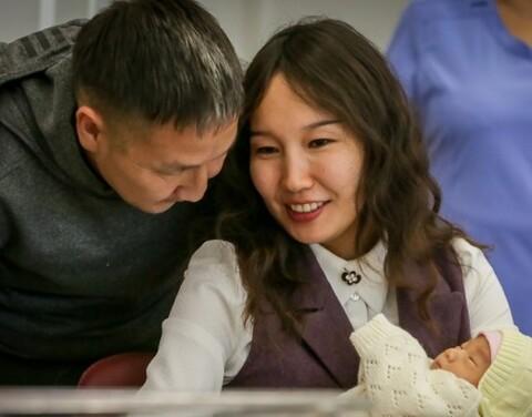 В Якутии действуют меры поддержки семей при рождении детей