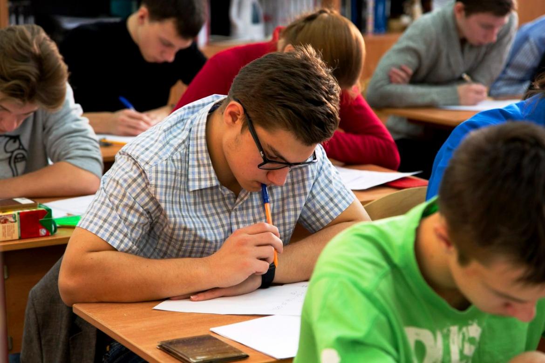 В Минпросвещения рекомендовали школам не проводить массовых мероприятий до января